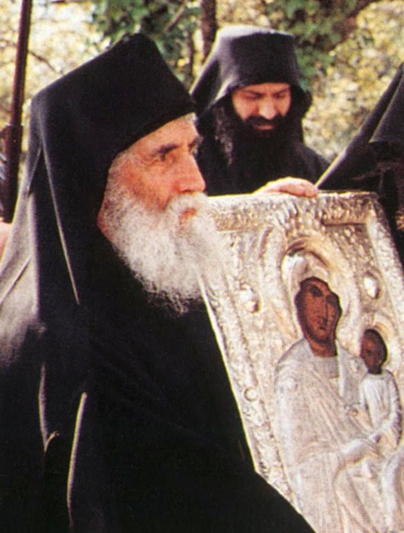 Photo of Πώς να πάω με άδεια χέρια να Την παρακαλέσω;